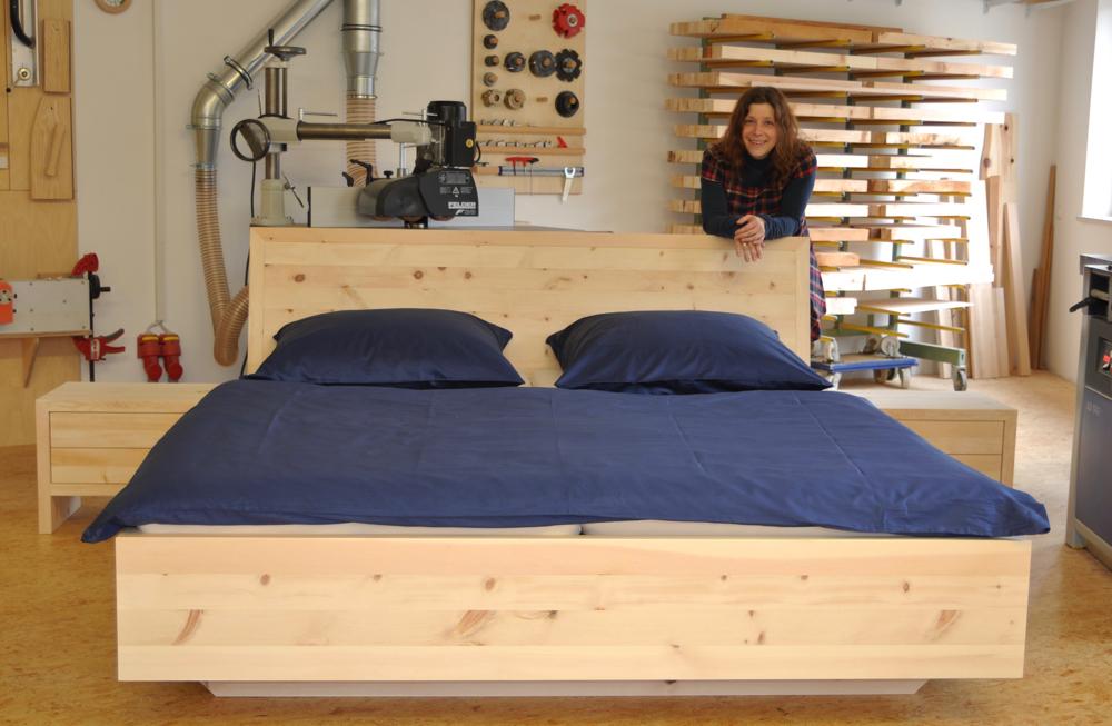 Schläft es sich in              einem Zirben-Schlafzimmer wirklich besser?